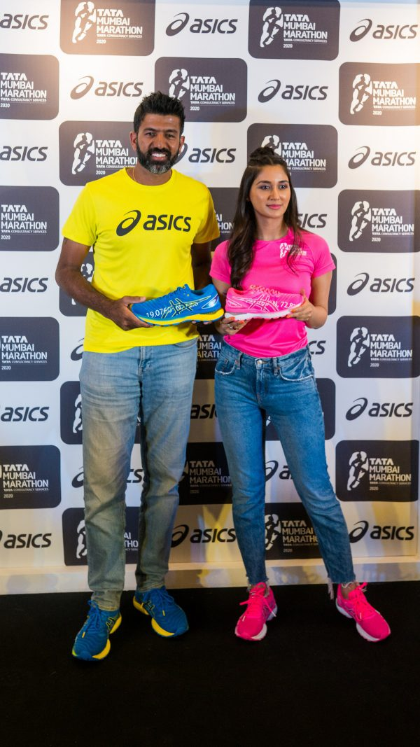 Tennis Ace Rohan Bopanna and Actor Nikita Dutta unveil the ASICS Limited edition GEL-NIMBUS 22 and official Race Day T-Shirt for the TATA Mumbai Marathon 2020