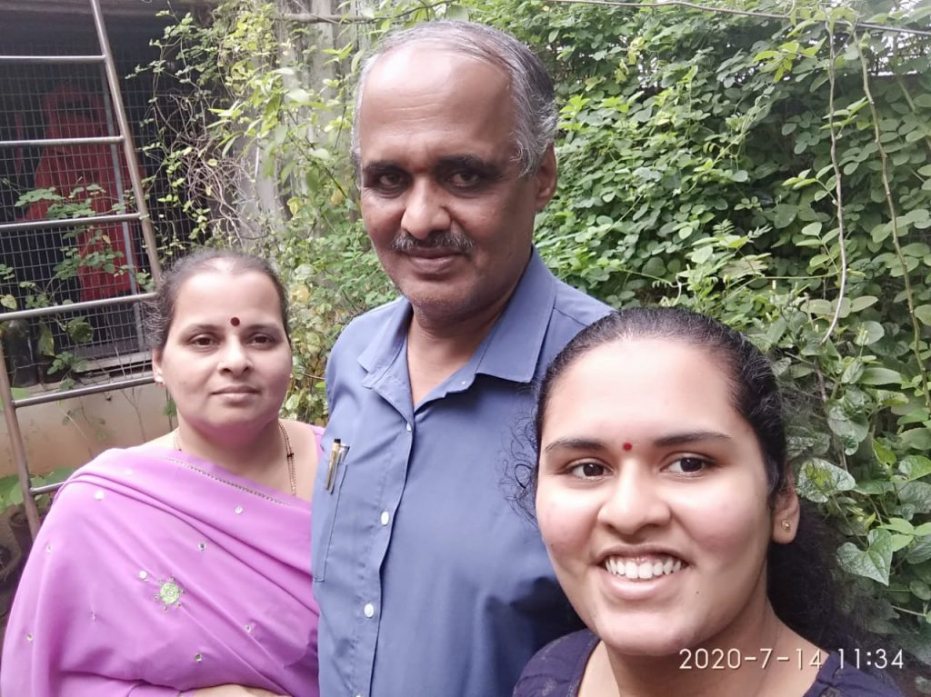 Arpitha-Hathwar-T-G-with-parents