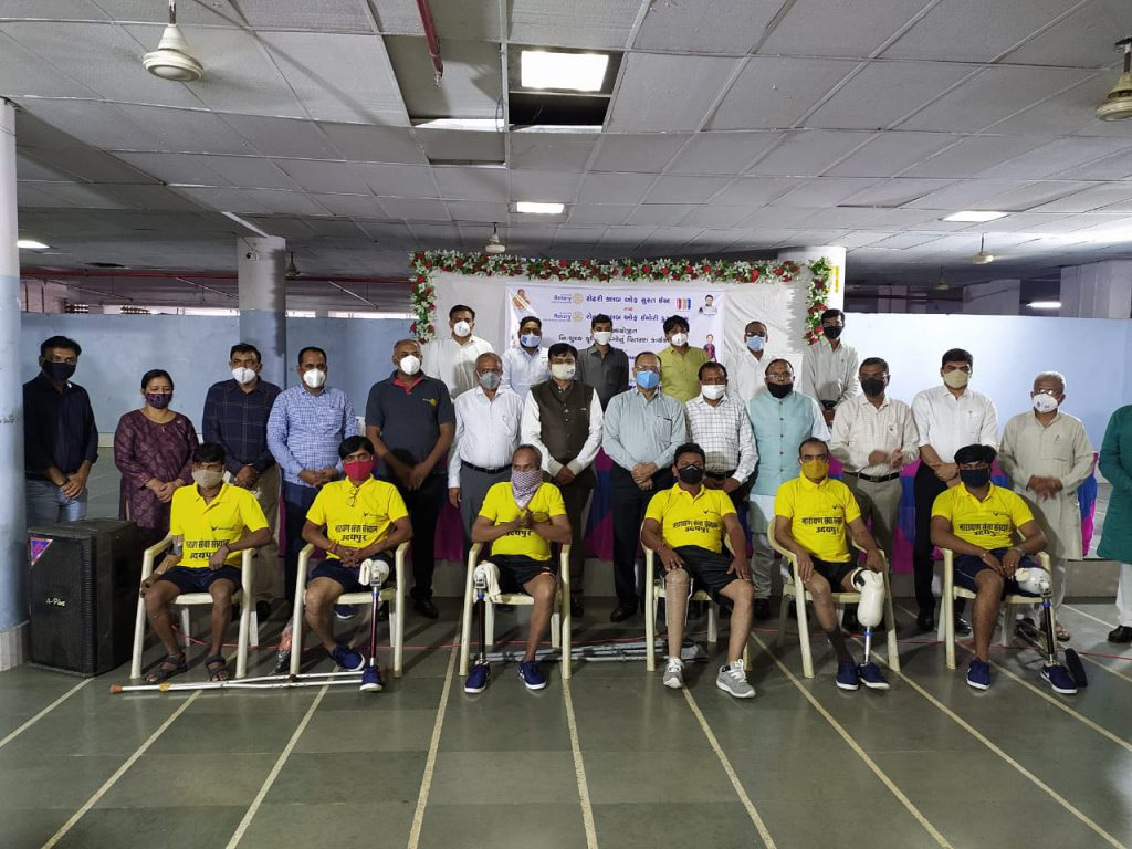 Narayan Seva Sansthan distributed 100 Artificial Limbs in  Surat