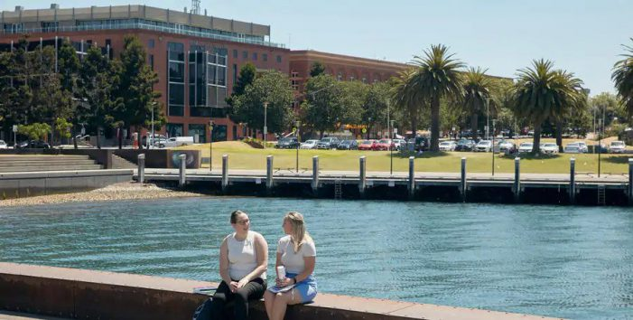 Deakin University, Australia announces six scholarships valued up to INR 36 million for meritorious Indian students in 2021